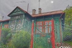 dynow-stary-budynek-scaled