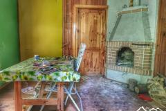 szlak-karpacki-krasiczyn-opuszczona-chata-scaled