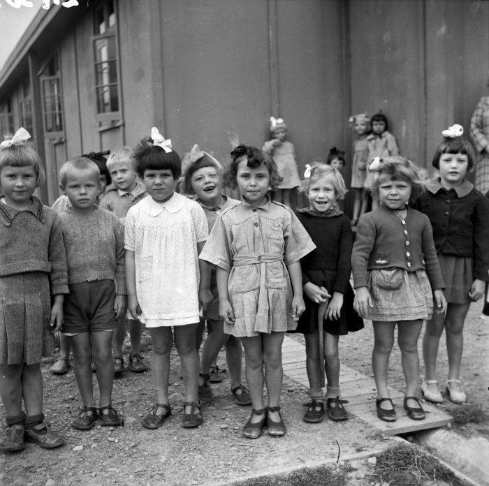 Polskie Dzieci z Pahiatua w kampusie