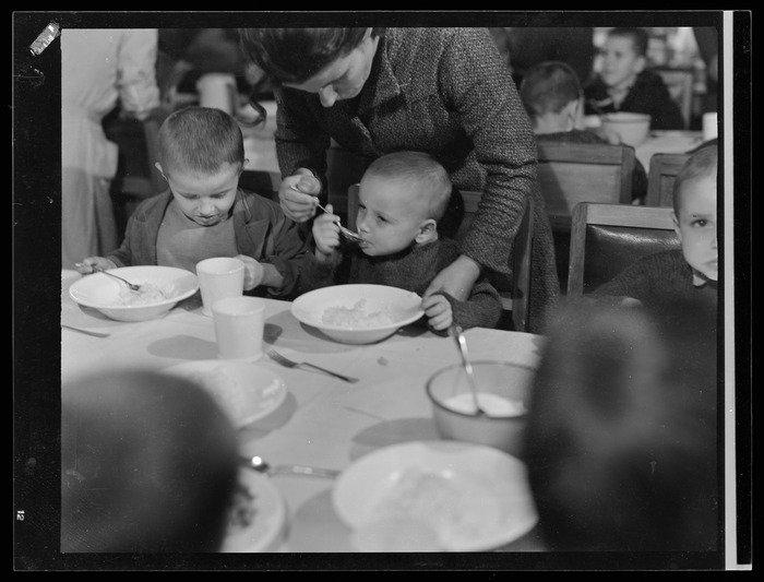 Polskie Dzieci z Pahiatua - obiad